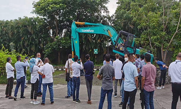 Sunward Excavator Product Promotion Meeting was Held in Indonesia